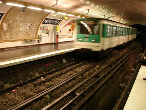 Metro Mairie d'Issy