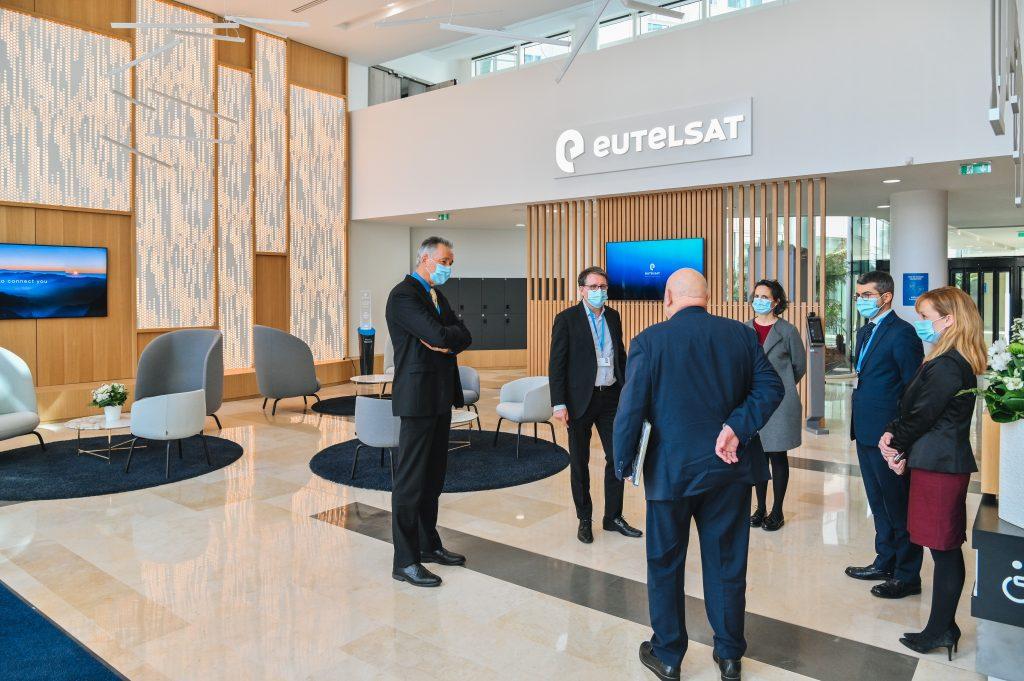 Le nouveau siège d'Eutelsat à Issy